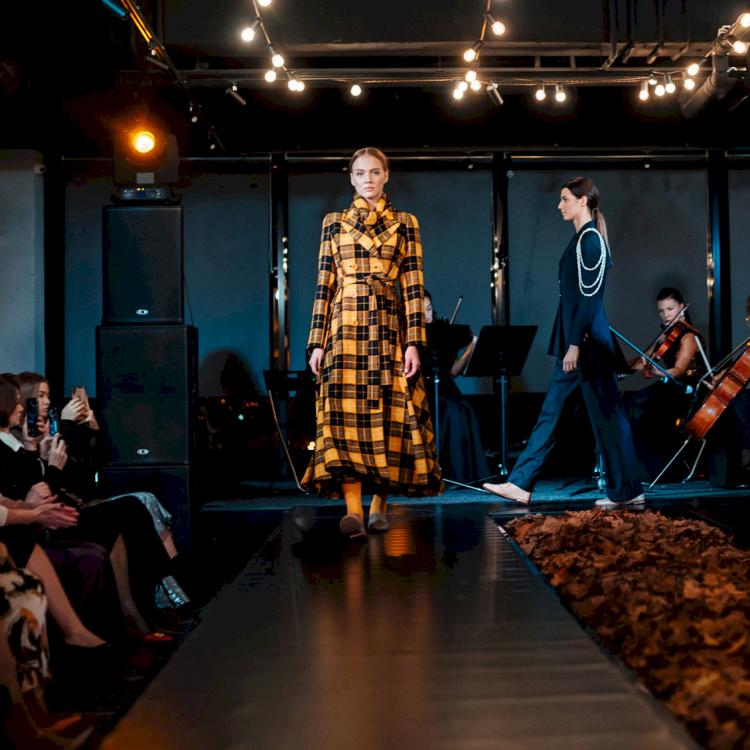 Подиум для Fashion показов